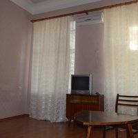 Продам пятикомнатную квартиру по ул. Хозяйственной в г. Евпатория